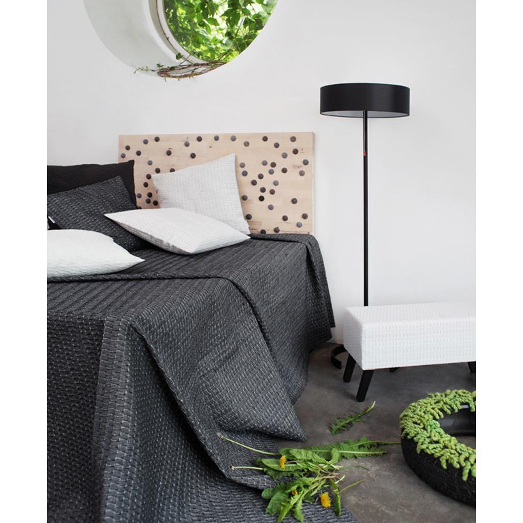 tagesdecken f r bett nordisches design. Black Bedroom Furniture Sets. Home Design Ideas