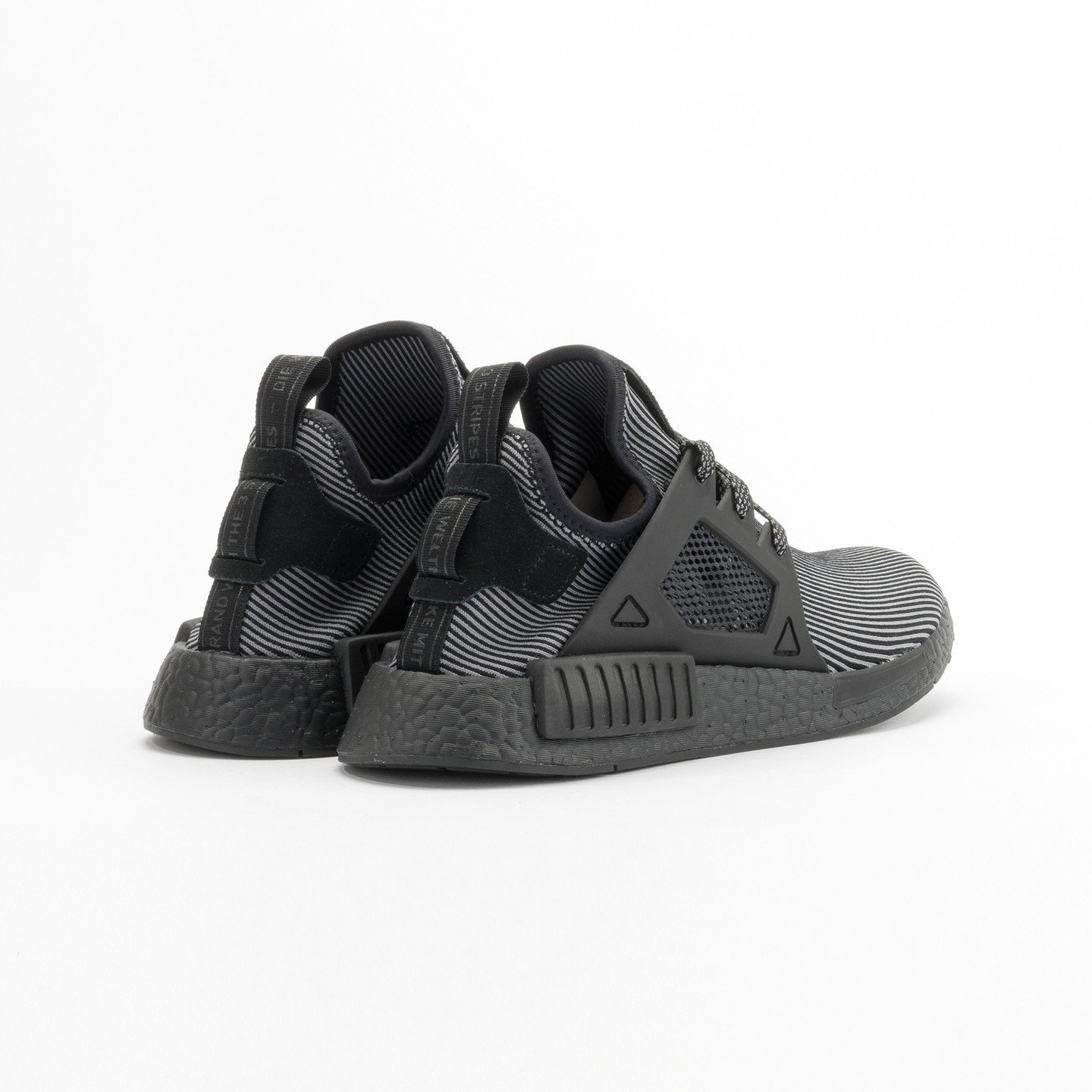 Adidas NMD XR1 Primeknit Core Black / Core Black / Running White S32211-38