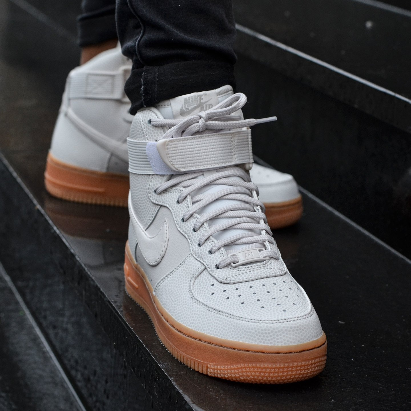 Nike Wmns Air Force 1 Hi SE Phantom 860544-001-42