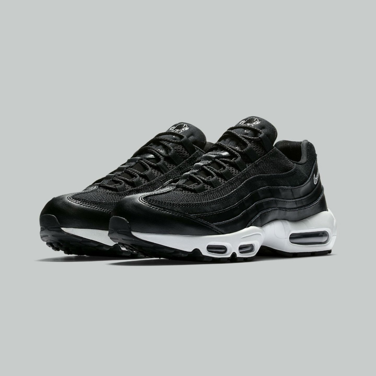 Nike Air Max 95 Premium 'Rebel Skulls' Black / Chrome / Off-White 538416-008