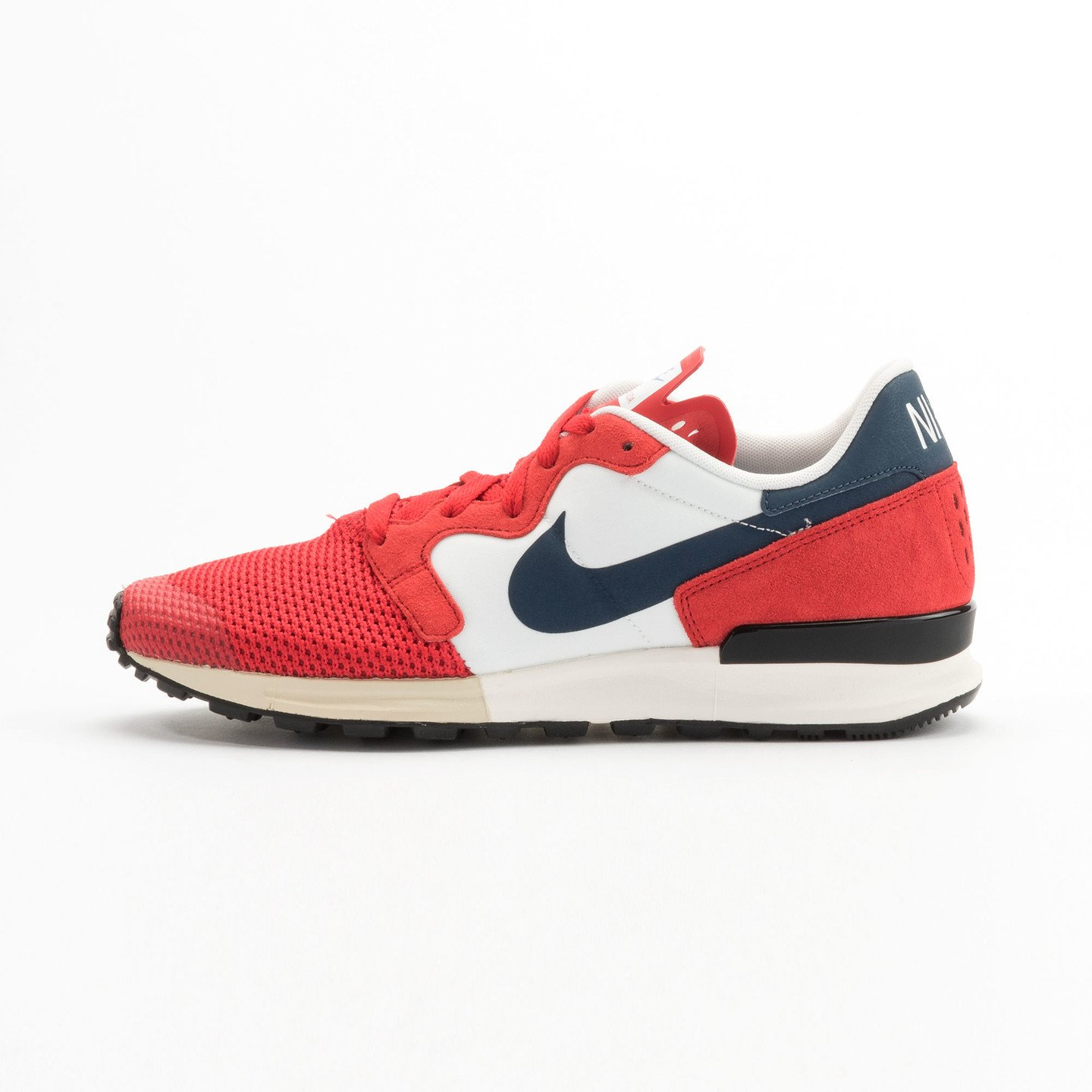 Nike Air Berwuda University Red / Squadron Blue / Summit White 555305-601-44