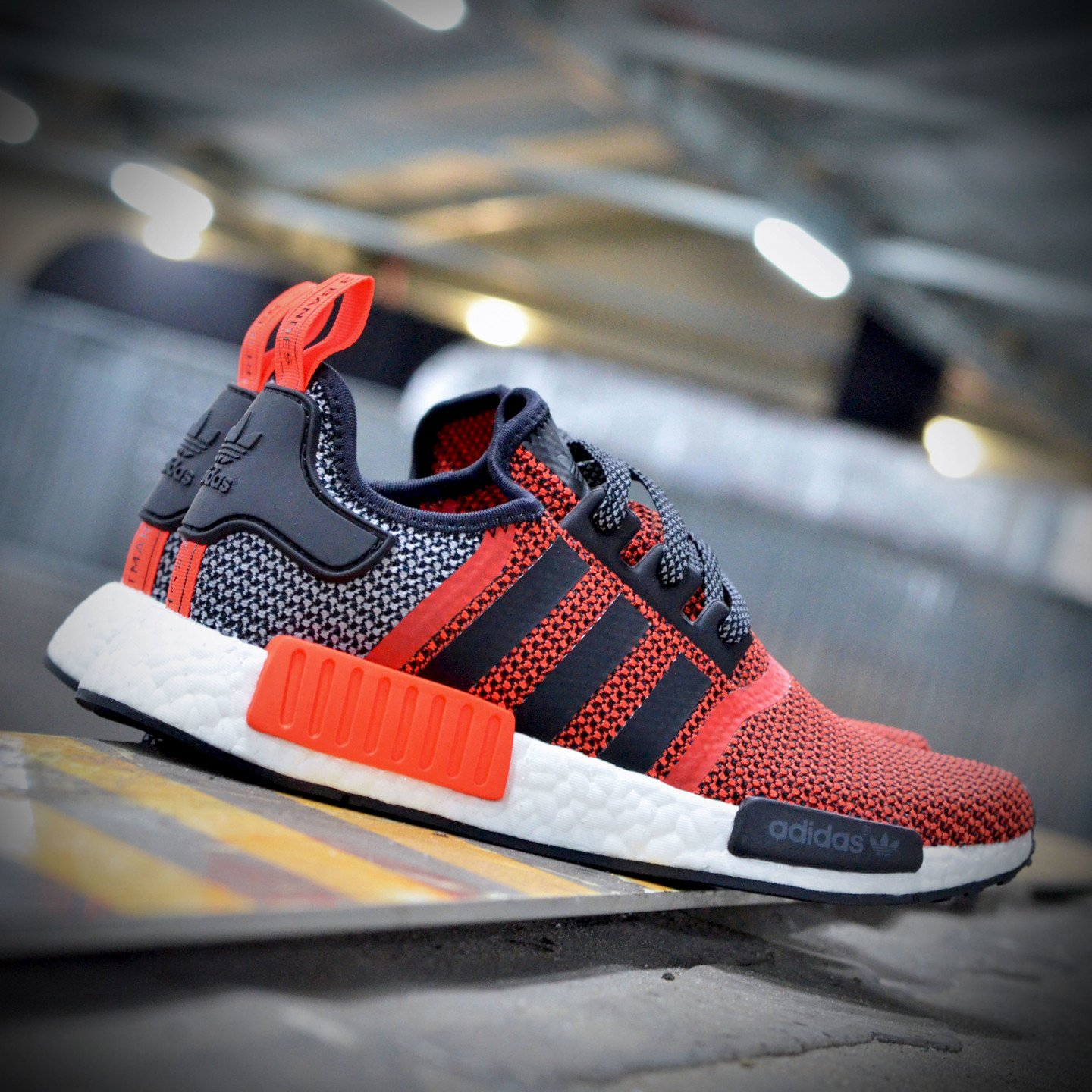 Adidas NMD R1 Runner Lush Red / Core Black S79158-37.33