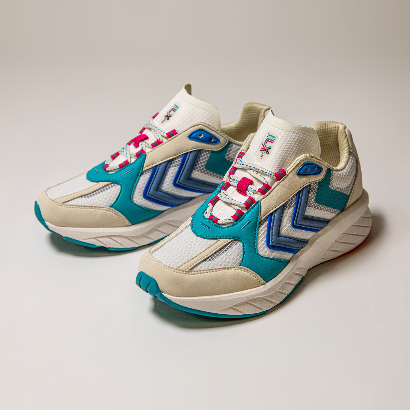 Hummel Reach LX 6000 Archive Off White / Teal / Pink 209011-9109