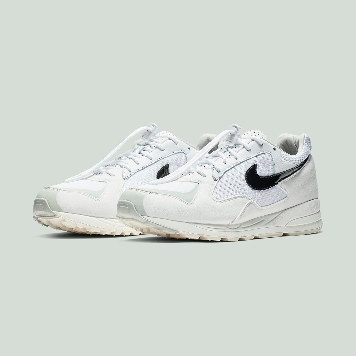 Nike Air Skylon II x Fear Of God White / Black / Light Bone / Sail BQ2752-100