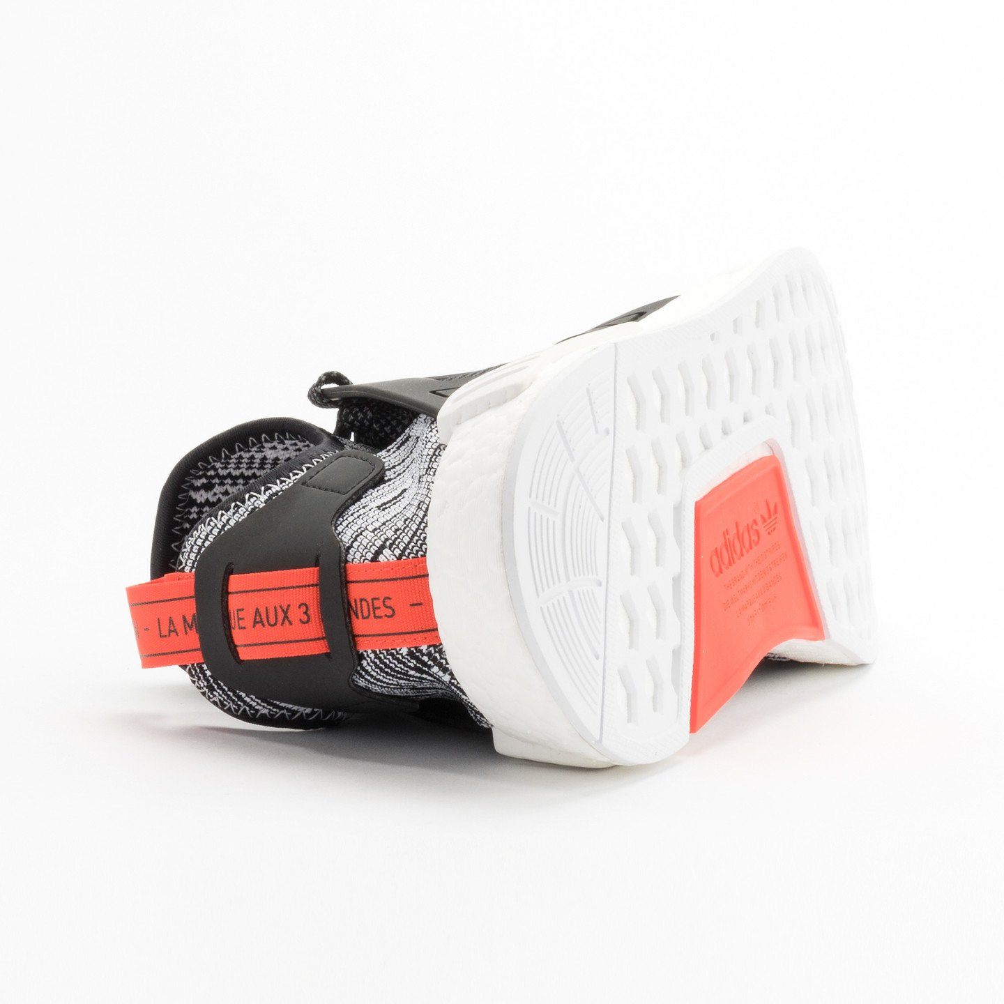 Adidas NMD XR1 Primeknit Running White / Core Black / Semi Solar Red S32216-40.66