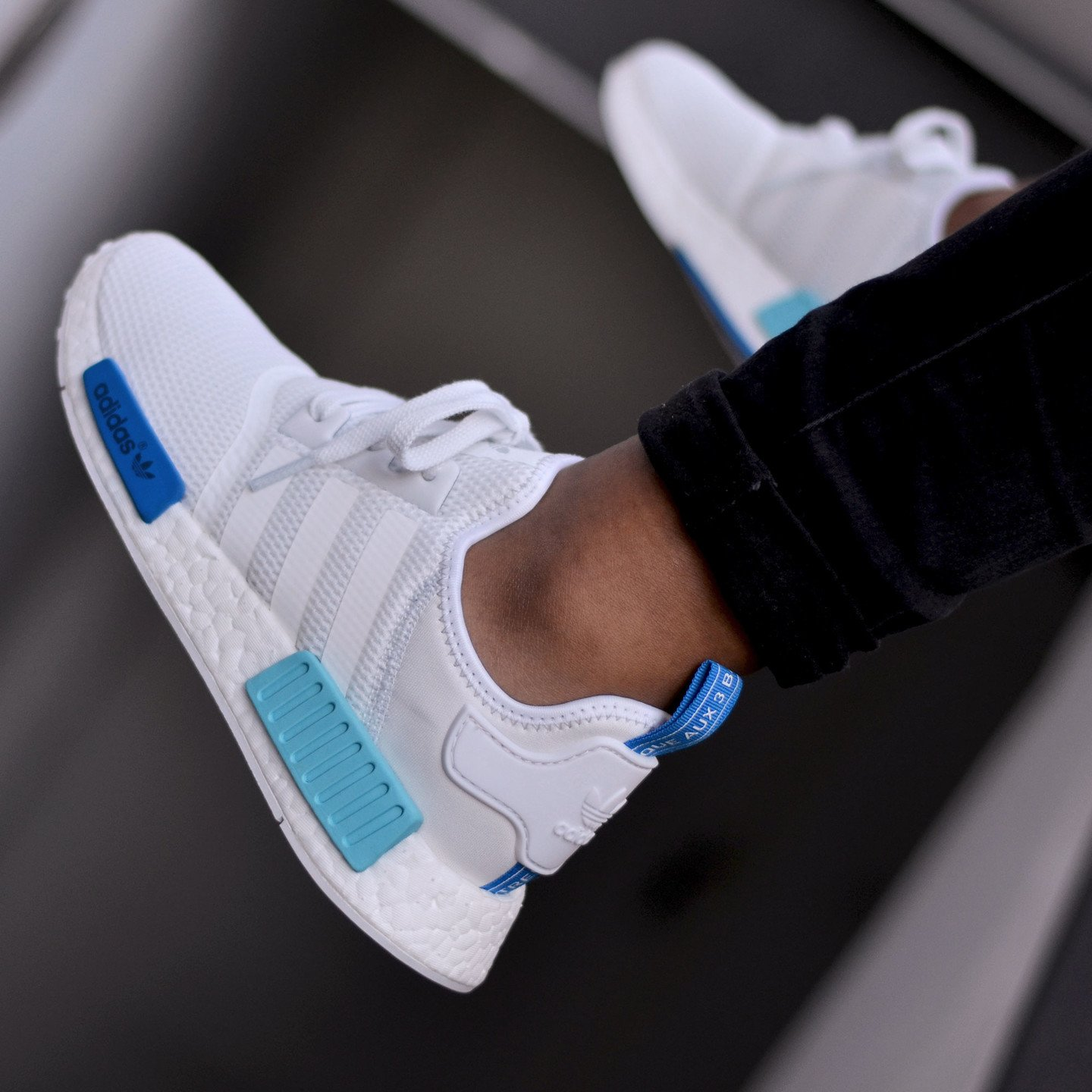Adidas NMD R1 Runner W Ftwr White /  Blue Glow S75235-40.66