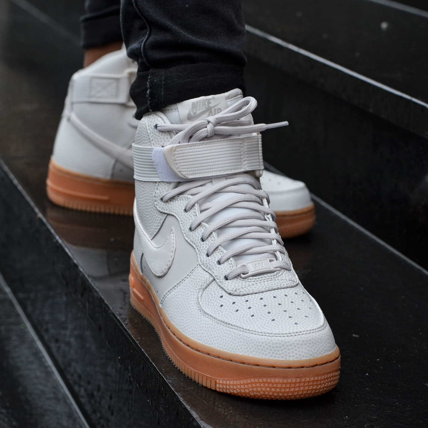 Nike Wmns Air Force 1 Hi SE Phantom 860544-001-40