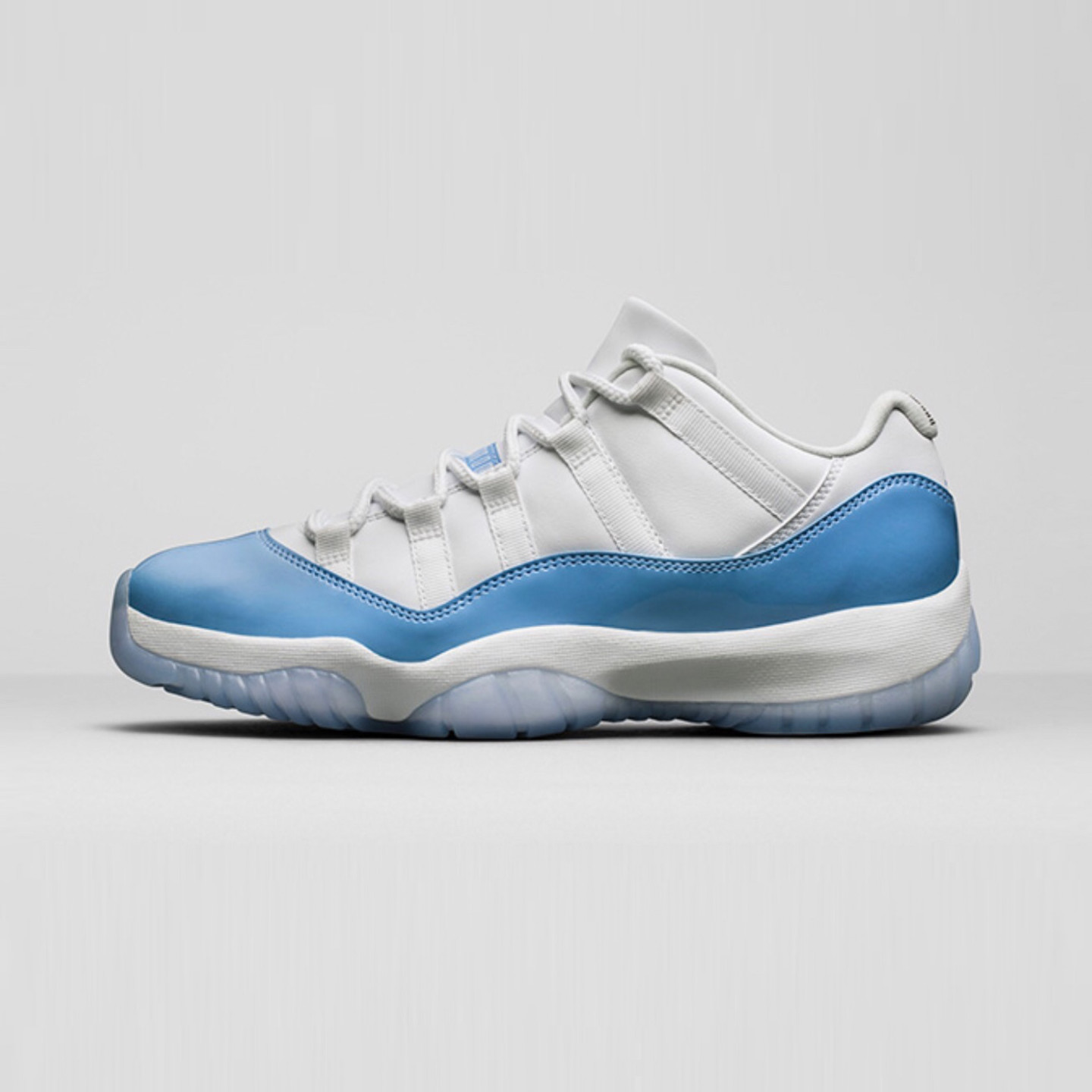 Jordan Air Jordan 11 Retro Low 'UNC' White / University Blue 528895-106-45.5