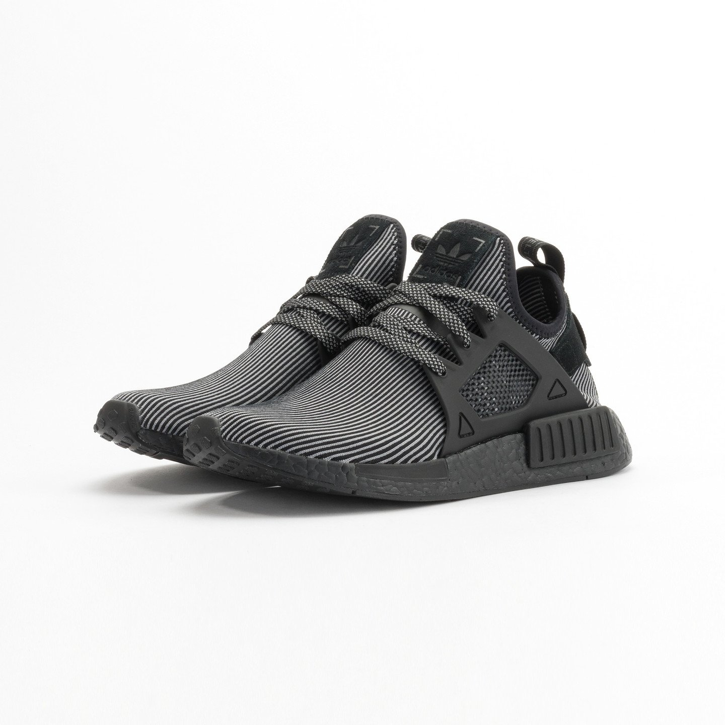 Adidas NMD XR1 Primeknit Core Black / Core Black / Running White S32211-39.33