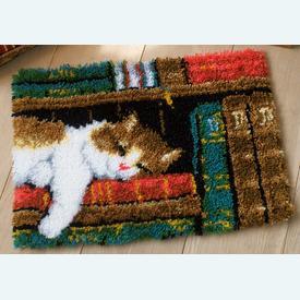 Cat on Bookshelf - knooptapijt Vervaco | Smyrna tapijt met slapende poes | Artikelnummer: vvc-149896