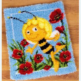 Maya in the Poppies - knooptapijt Vervaco Maya de bij | Smyrna tapijt met Maya de bij in klaprozen | Artikelnummer: vvc-150900