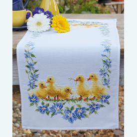 Little Ducks tafelloper -  borduurpakket met telpatroon Vervaco |  | Artikelnummer: vvc-161766