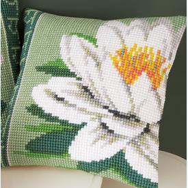 White Lotus Flower - Vervaco Kruissteekkussen |  | Artikelnummer: vvc-156009