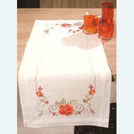 Elegant Roses loper - voorgedrukt borduurpakket - Vervaco |  | Artikelnummer: vvc-1201156