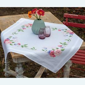 Flowers and Butterflies theenap - voorgedrukt borduurpakket - Vervaco |  | Artikelnummer: vvc-164449