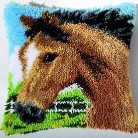 Stallion - smyrna kussen Vervaco | Knoopkussen met paard | Artikelnummer: vvc-2560-3618