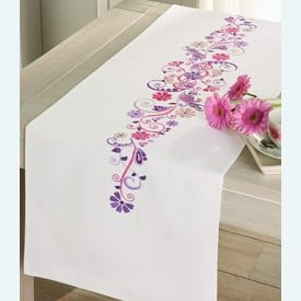 Pink and Lilac Flowers - lange loper - voorgedrukt borduurpakket van Vervaco |  | Artikelnummer: vvc-12996