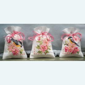 Assortiment kruidenzakjes - Birds and Blossoms - Handwerkpakketjes met telpatroon Vervaco |  | Artikelnummer: vvc-182726