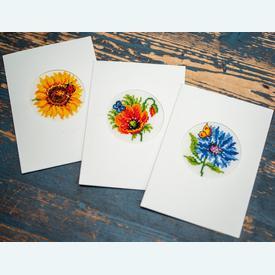 Wenskaarten Summer Flowers - borduurpakketten met telpatroon Vervaco      Artikelnummer: vvc-147922