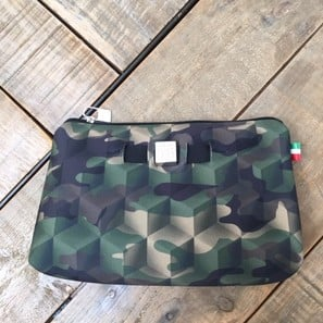 TRAVEL POUCH MEDIUM | CAMO | Artikelnummer: SAVE19