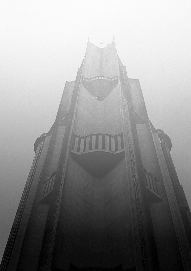 Cathedral 01, 2013  | Edition 100 | Artikelnummer: THE_11_30x45POO_SR1