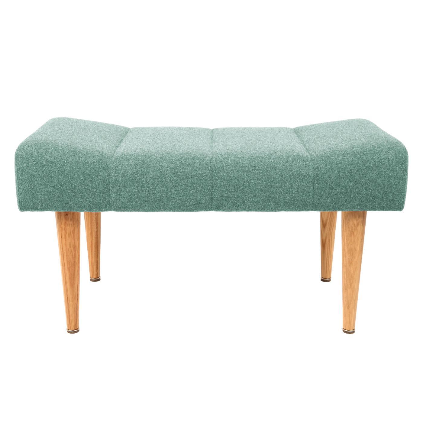 gepolsterter sitzhocker in gr n skandinavisches design. Black Bedroom Furniture Sets. Home Design Ideas