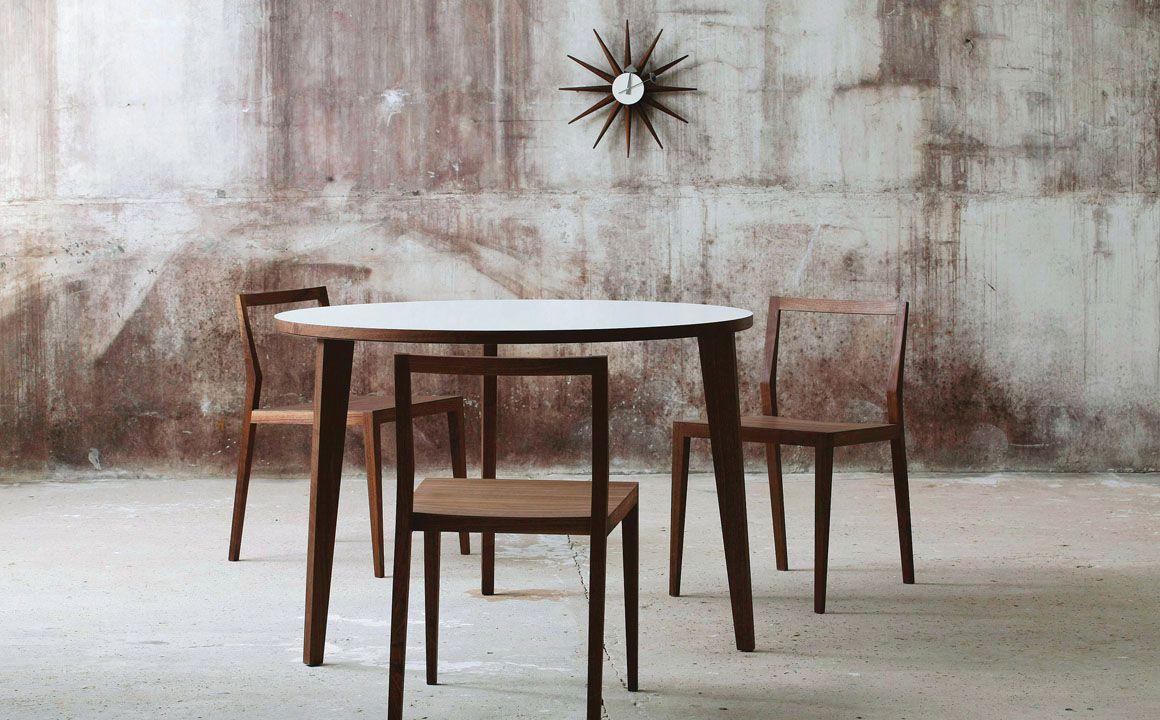 runder esstisch 110 cm aus nussbaum mint furniture. Black Bedroom Furniture Sets. Home Design Ideas
