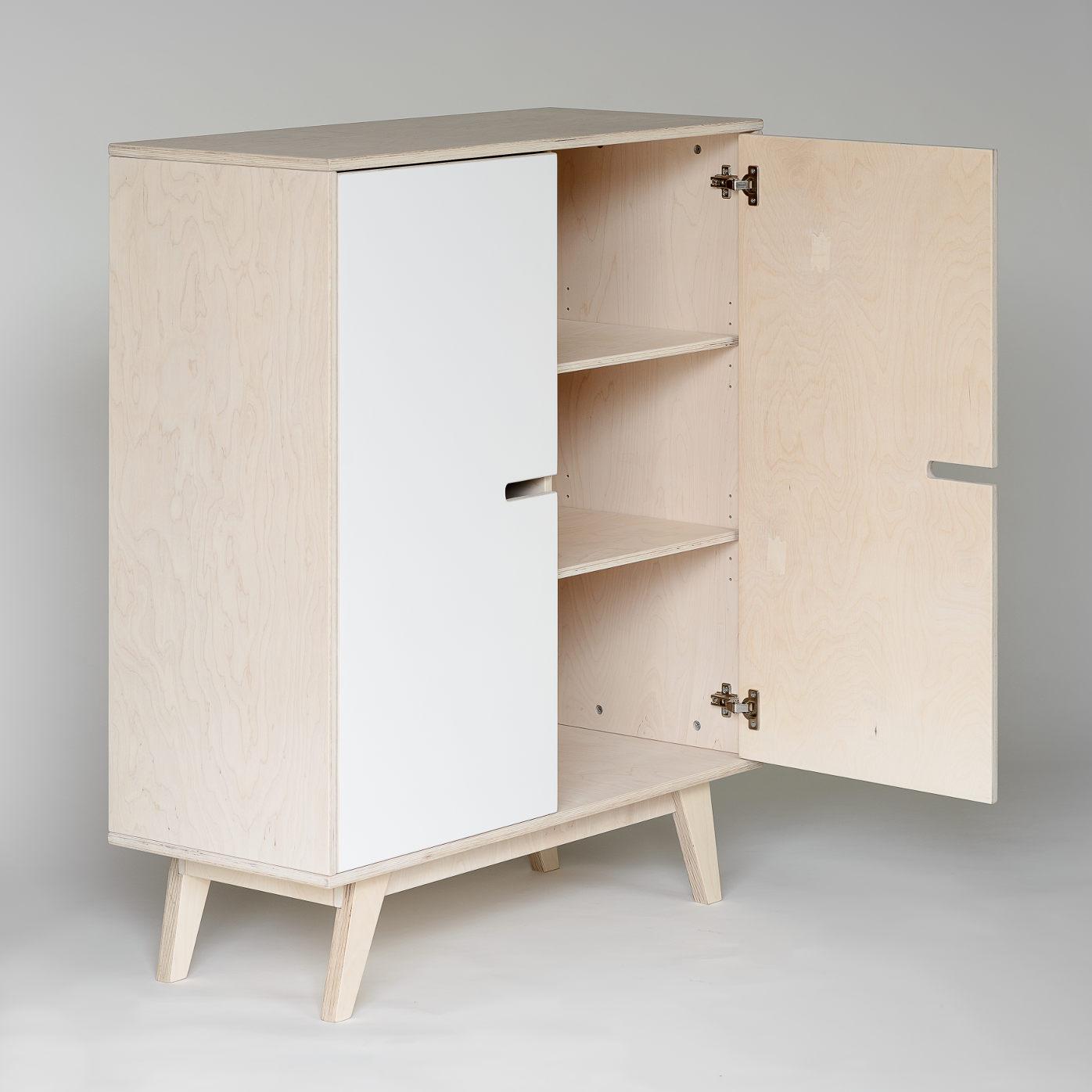kommode aus holz mit t ren skandinavisch. Black Bedroom Furniture Sets. Home Design Ideas